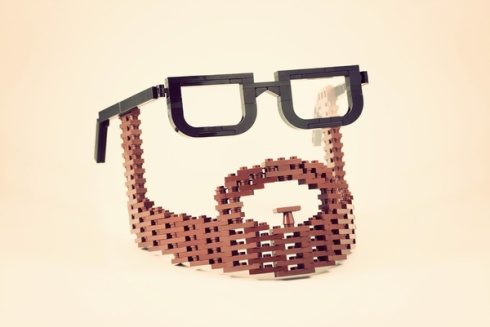 lego-beard-glasses-amazing-toy-photographer (1)